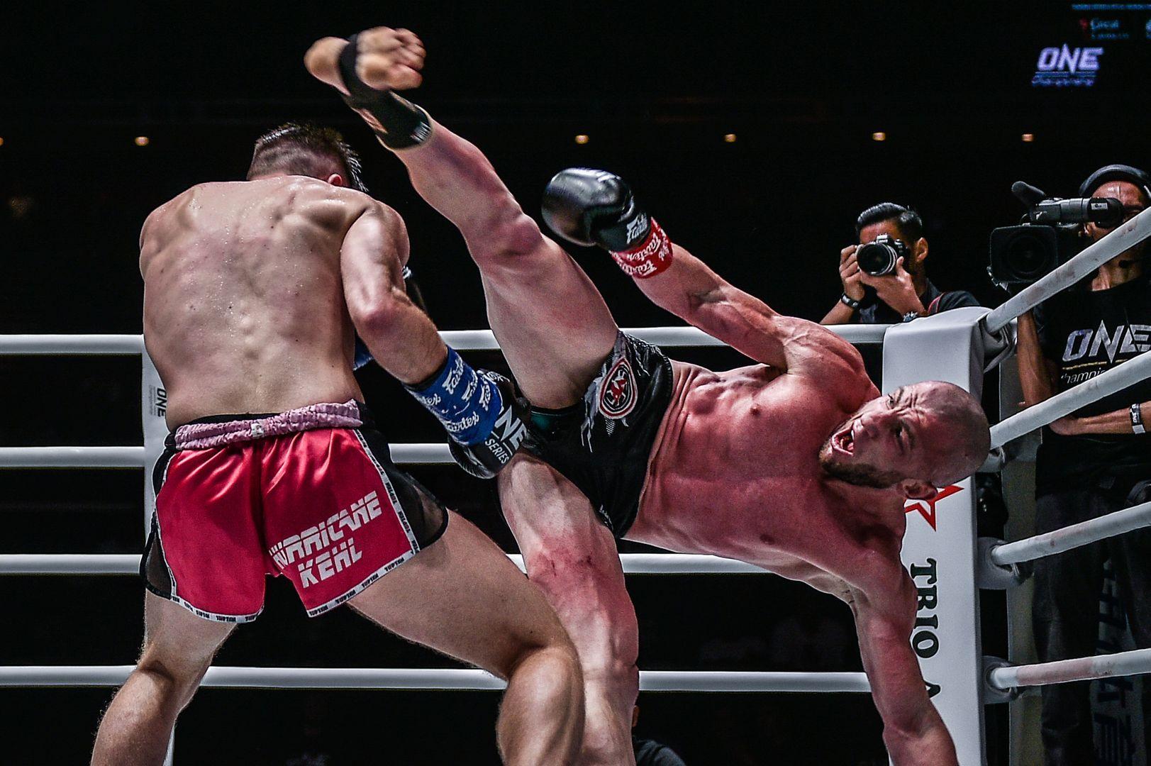 Russian kickboxer Dzhabar Askerov lands a spinning heel kick