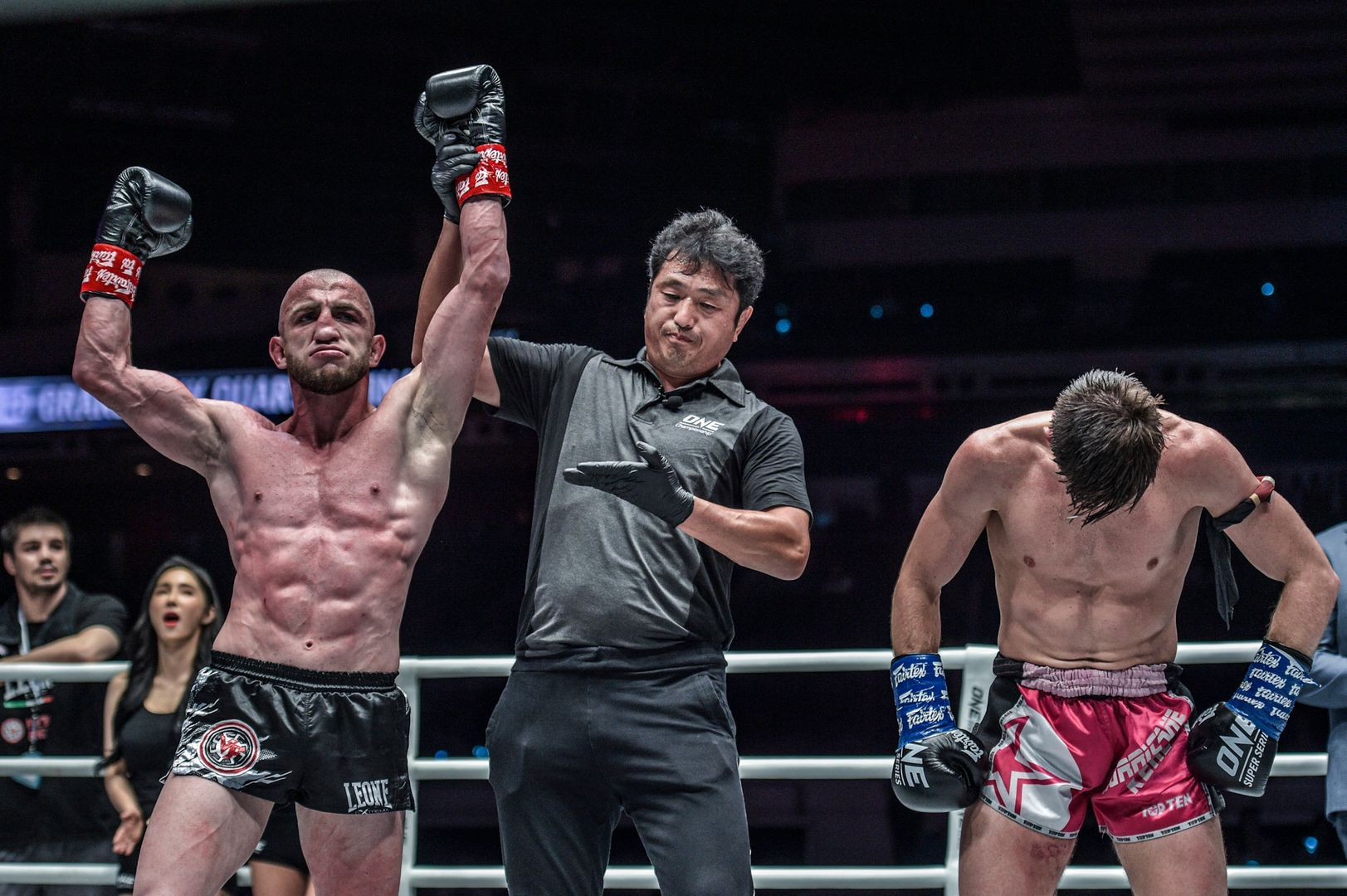 Dzhabar Askerov defeats Enriko Kehl via decision in the ONE Super Series Featherweight Kickboxing World Grand Prix at ONE: ENTER THE DRAGON in Singapore