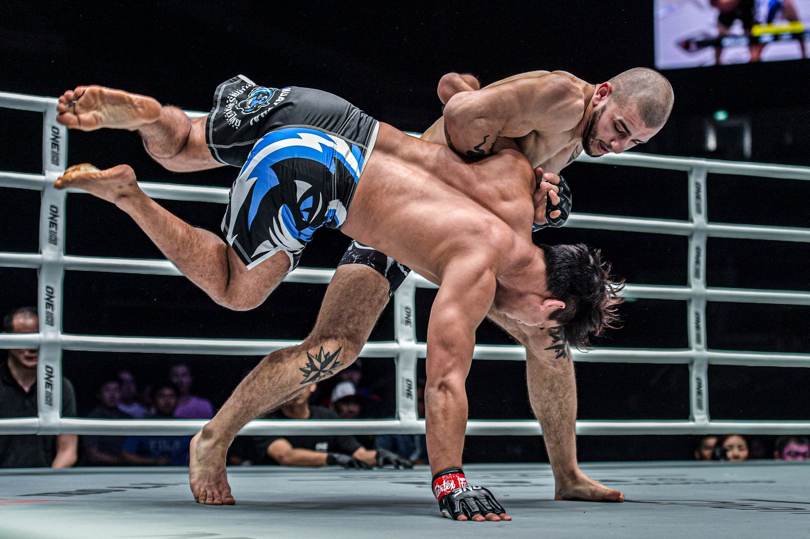 Iurie Lapicus faces Shannon Wiratchai in Singapore