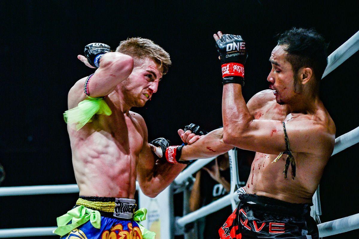 Jonathan Haggerty throws an elbow at Sam-A Gaiyanghadao