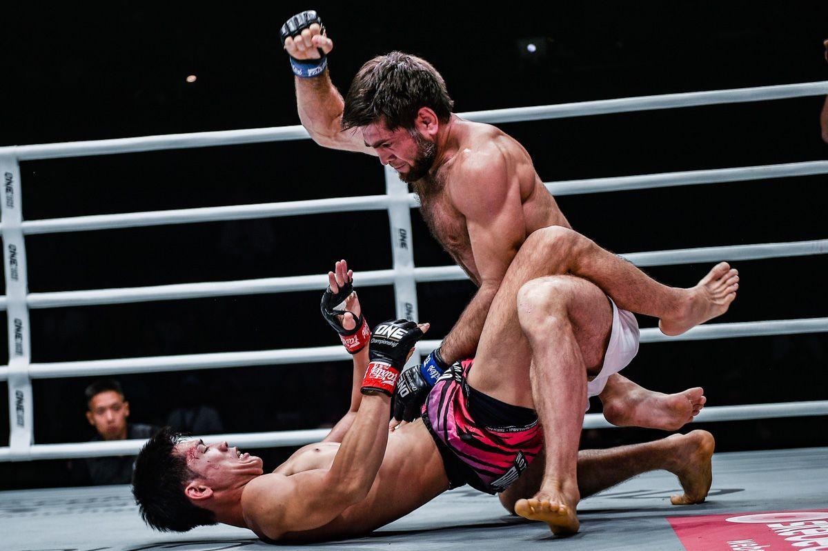 Marat Gafurov defeats Tetsuya Yamada