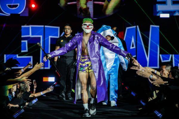 Petchdamn Petchyindee Academy as the Joker