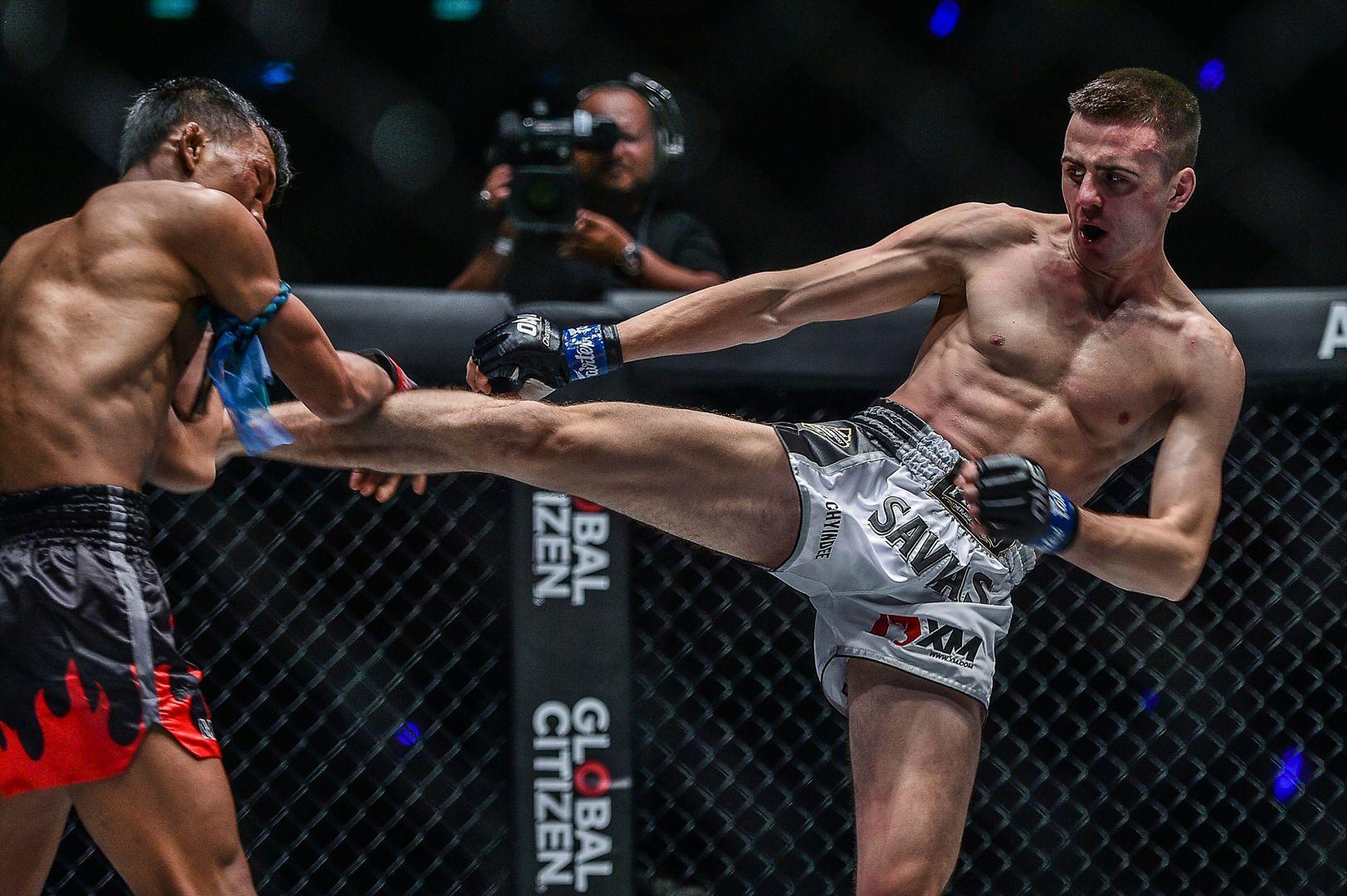Savvas Michael defeats Singtongnoi Por Telakun at ONE: WARRIORS OF LIGHT