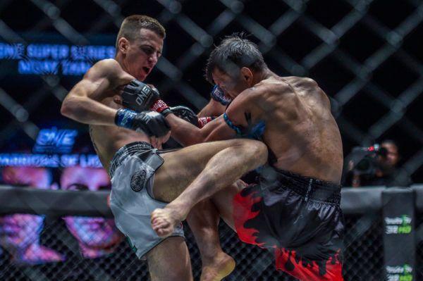 Savvas Michael Upsets The Legendary Singtongnoi In Bangkok