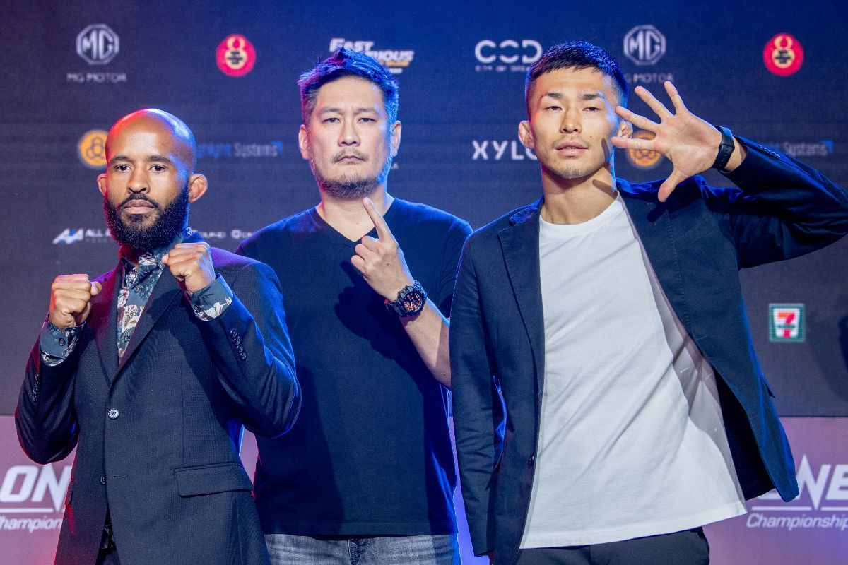 Demetrious Johnson and Tatsumitsu Wada face the media at the ONE DAWN OF HEROES pre-event press conference