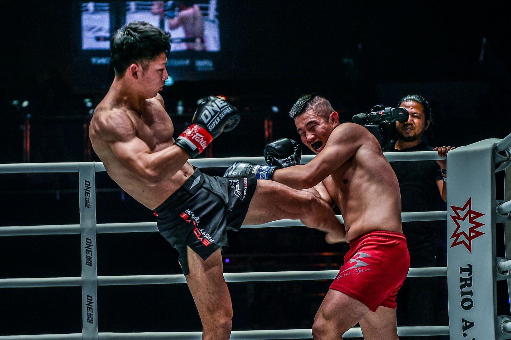 Hiroki Akimoto defeats Kenny Tse at ONE: MASTERS OF DESTINY