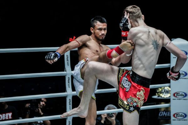 Sorgraw Edges Out George Mann In Muay Thai Battle