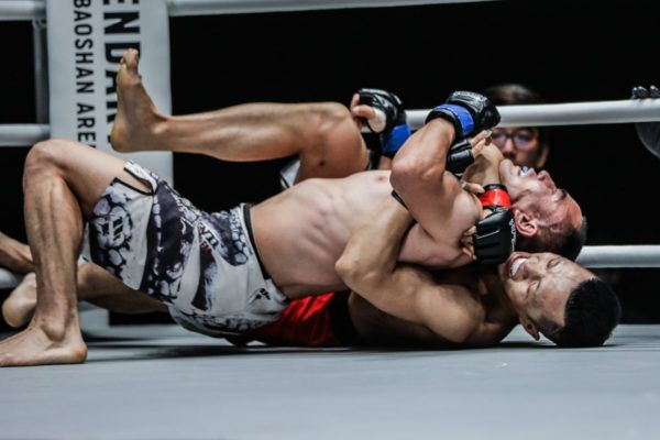Wang Jing Jia defeats Wan Jian Ping via rear-naked choke at ONE Hero Series April