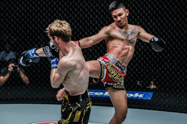 Bangpleenoi Petchyindee Academy defeats Lian Nolan at DREAMS OF GOLD