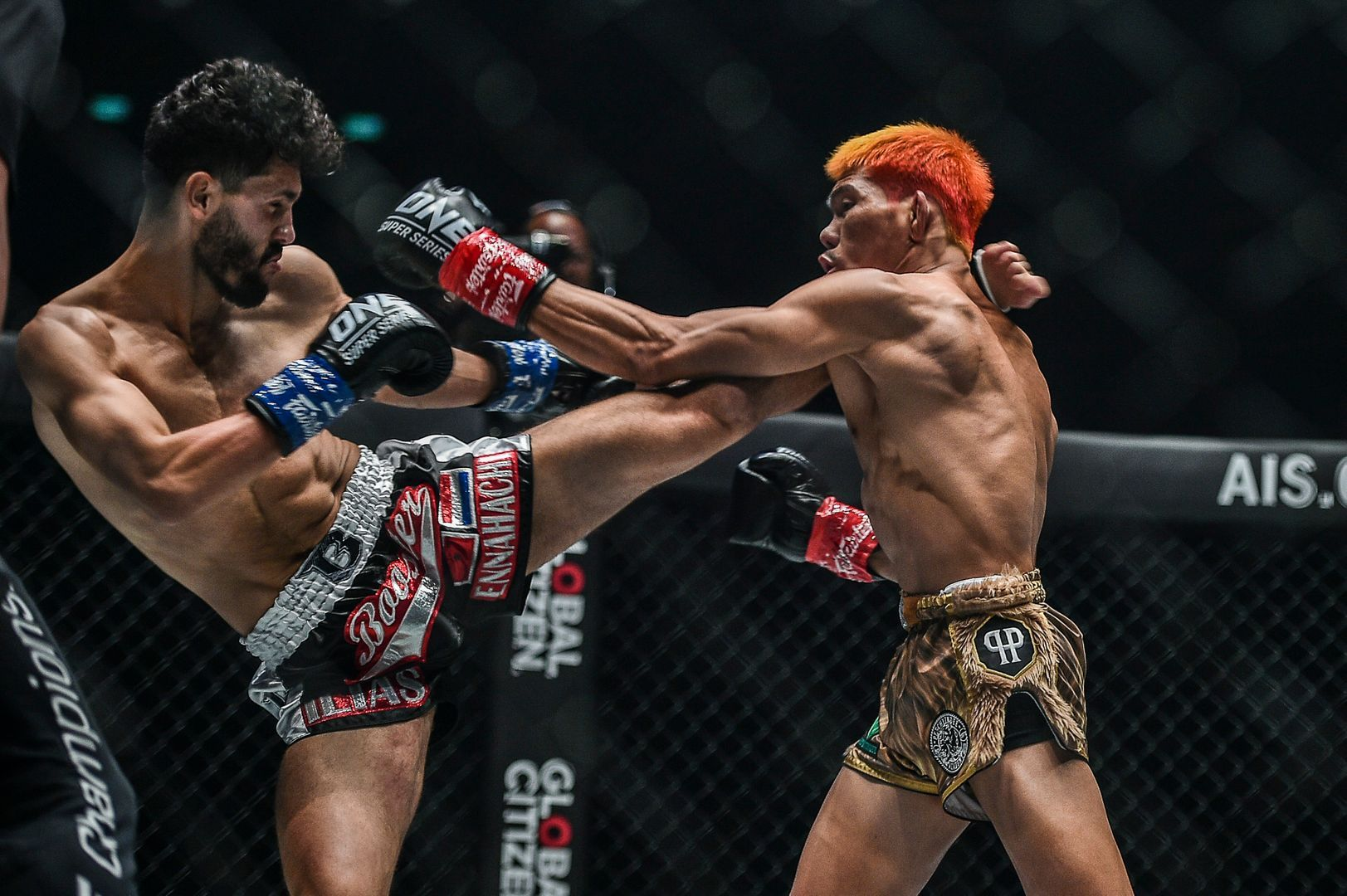 Ilias Ennahachi defeats Petchdam Petchyindee Academy by knockout at ONE: DREAMS OF GOLD