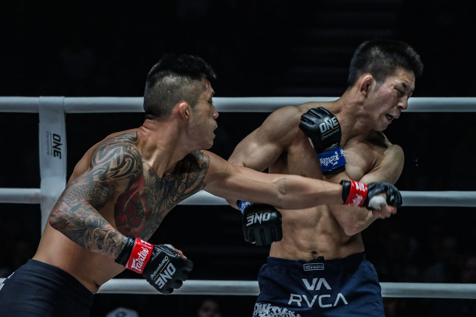 Martin Nguyen lands a left hand on World Title challenger Koyomi Matsushima.