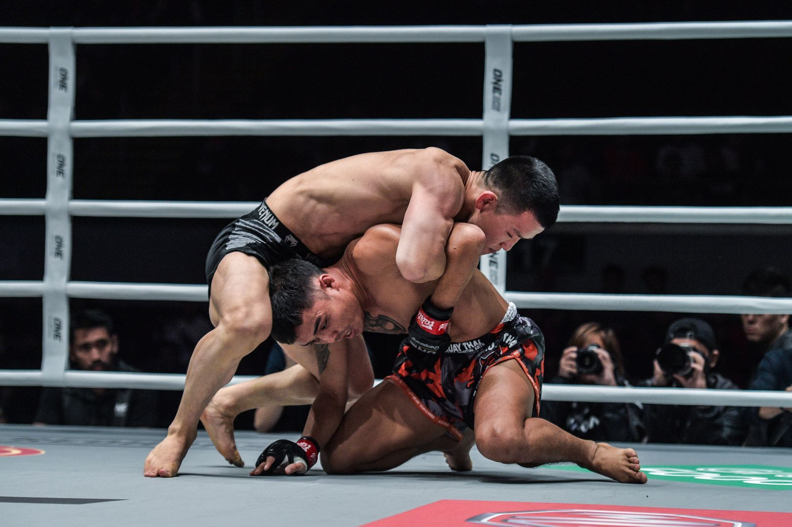 Miao Li Tai defeats Pongsiri Mitsatit via unanimous decision at ONE: DAWN OF HEROES