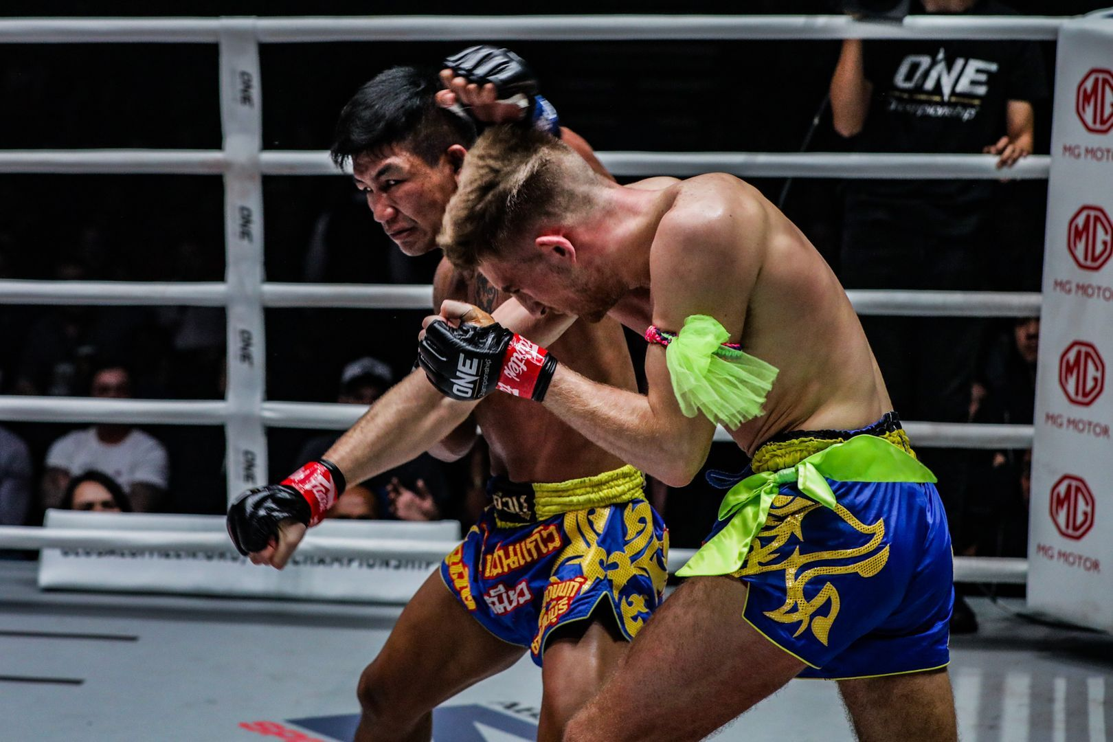 Rodtang Jitmuangnon defeats Jonathan Haggerty at ONE: DAWN OF HEROES