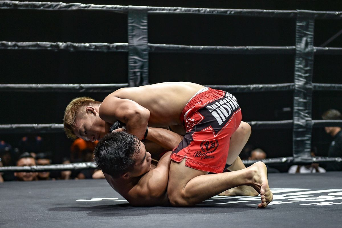 Ryuto Sawada (blue) defeats Ismael Bandiwan via Submission at ONE Warrior Series 3