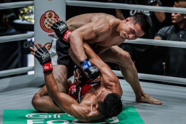 Chinese martial arts star Xie Bin drops ground and pound on Team Lakay's Edward Kelly In Manila