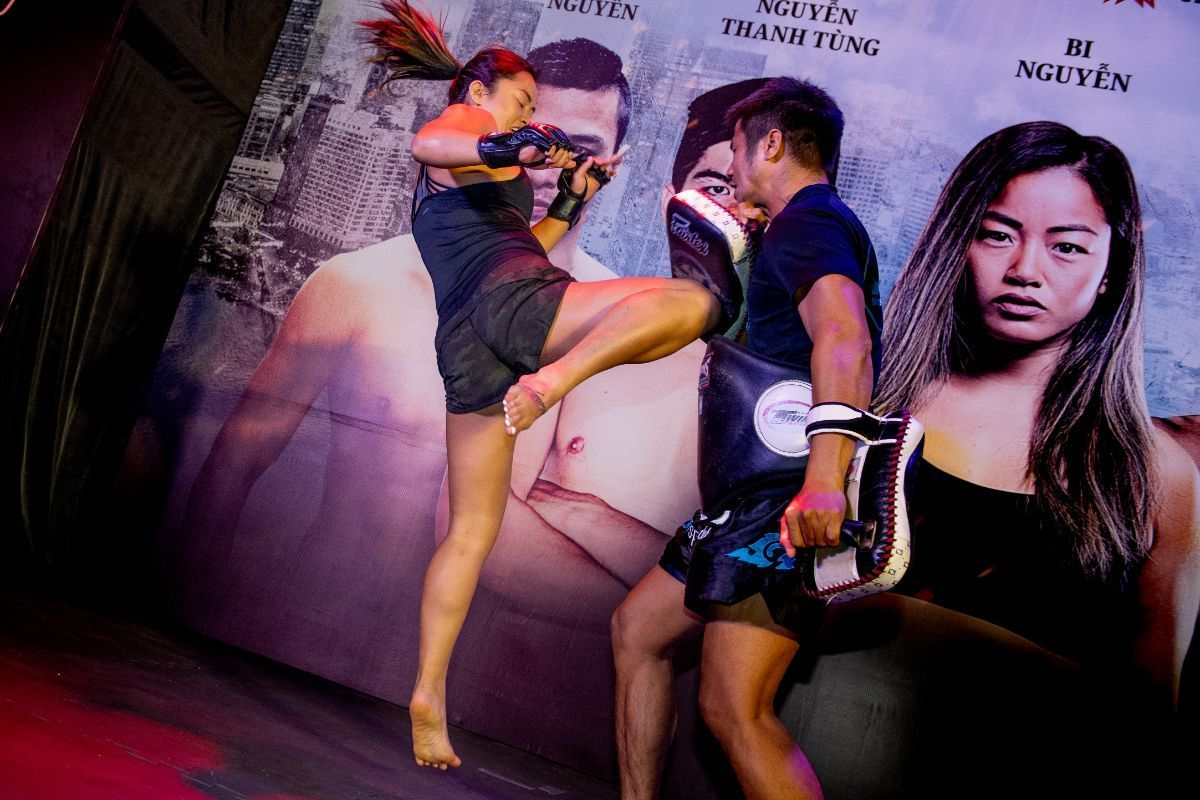 Bi Nguyen shows her Muay Thai skills at the ONE: IMMORTAL TRIUMPH open workout in Ho Chi Minh City, Vietnam