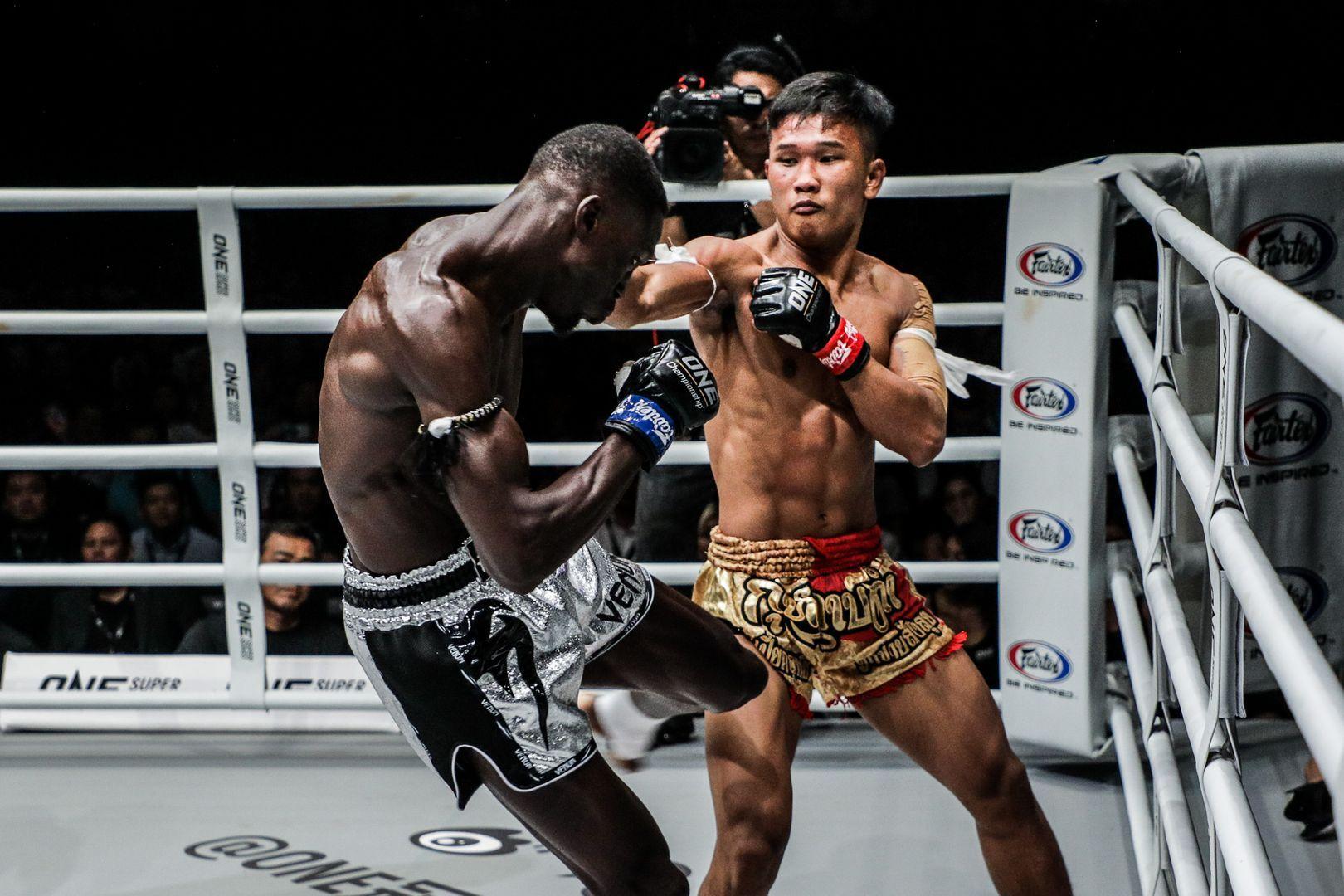 Muay Thai fighter Kulabdam rocks Bobo Sacko