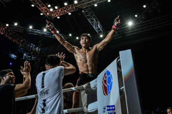 Nguyen Tran Duy Nhat celebrates his win against Azwan Che Wil at ONE IMMORTAL TRIUMPH