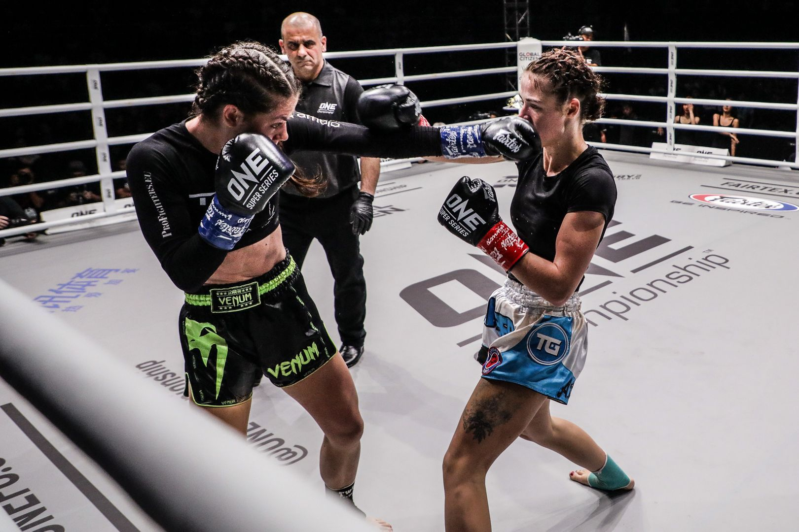 Viktoria Lipianska lands a jab on Amber Kitchen at ONE: IMMORTAL TRIUMPH