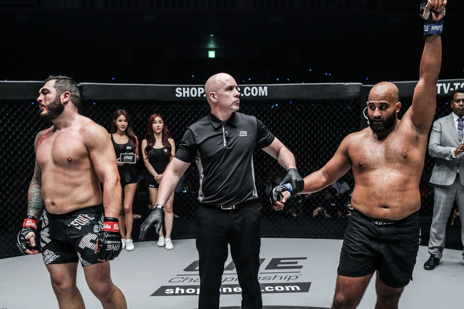 Arjan Bhullar defeats Mauro Cerilli by unanimous decision at ONE CENTURY