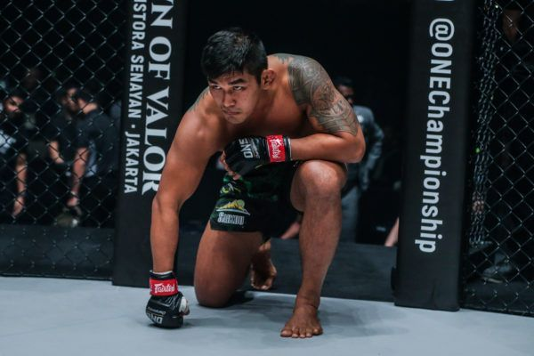 Two-division ONE World Champion Aung La N Sang gets ready for battle in Japan