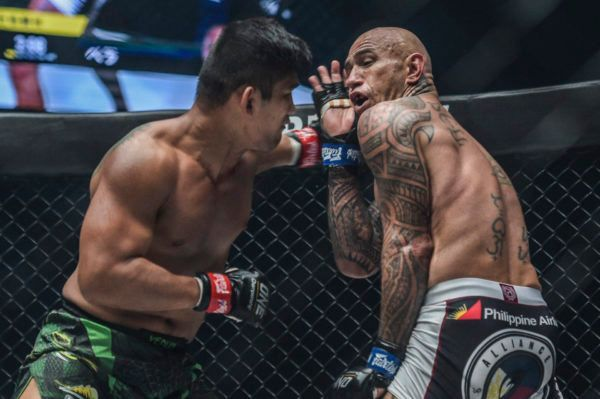 Aung La N Sang defeats Brandon Vera at ONE CENTURY PART II