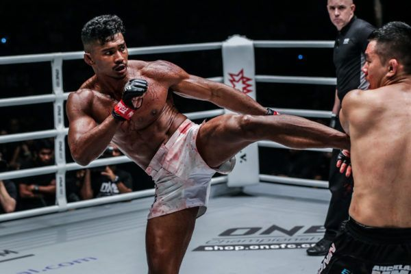 Amir Khan defeats Ev Ting at ONE EDGE OF GREATNESS in Singapore