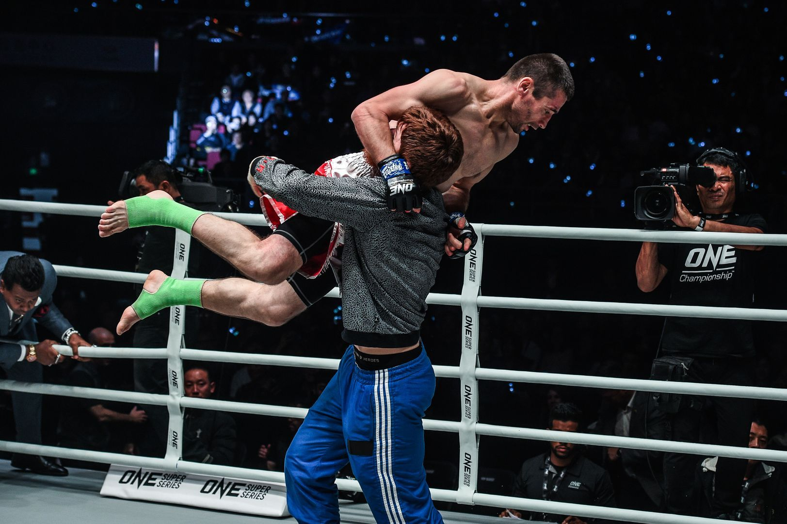 amal Yusupov celebrates his win against Yodsanklai at ONE AGE OF DRAGONS
