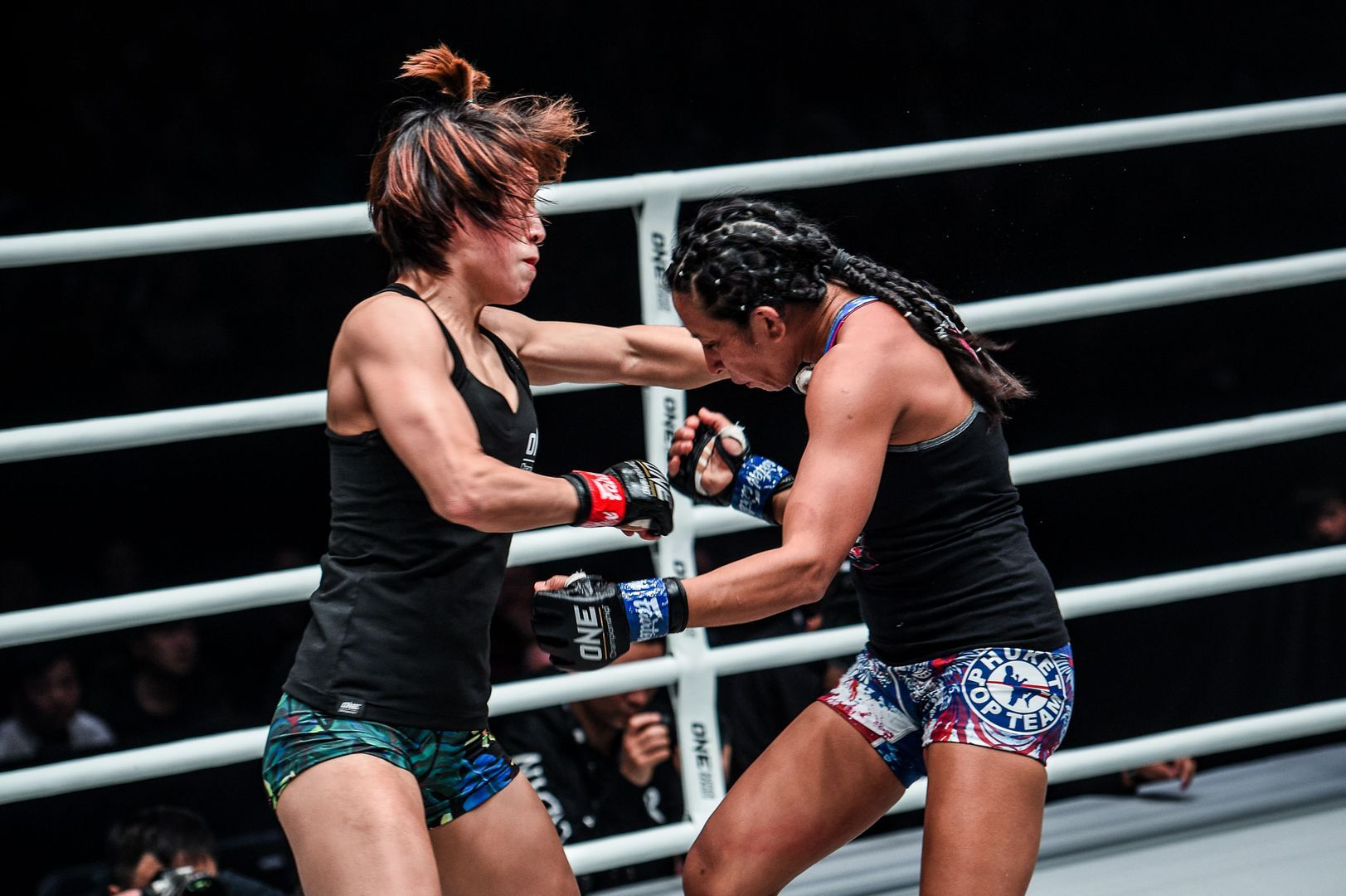 Meng Bo defeats Laura Balin at ONE AGE OF DRAGONS
