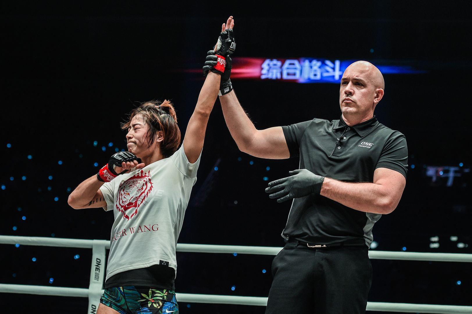 Meng Bo defeats Laura Balin at ONE AGE OF DRAGONS