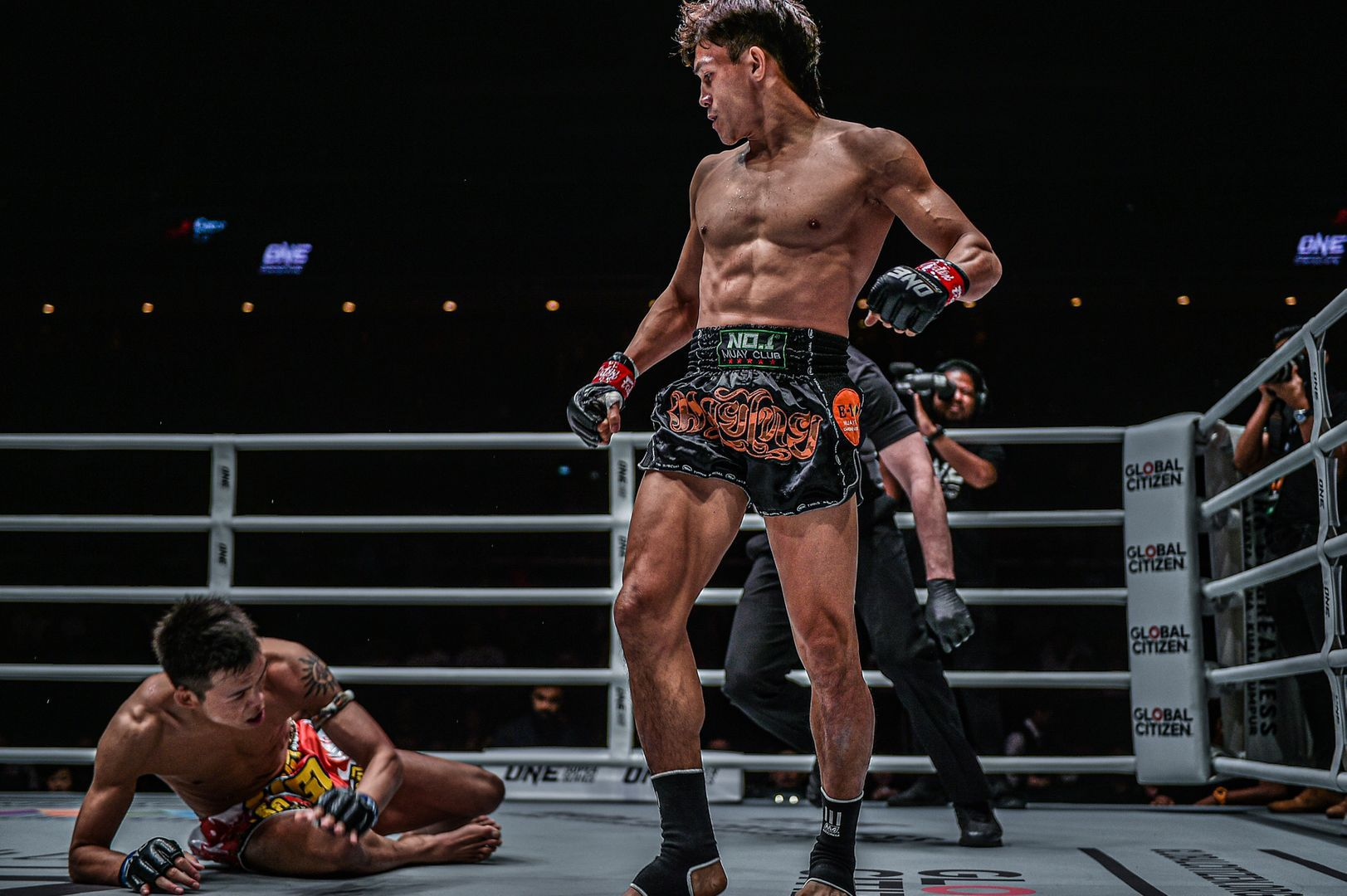 Vietnamese Muay Thai striker knocks out Yuta Watanabe