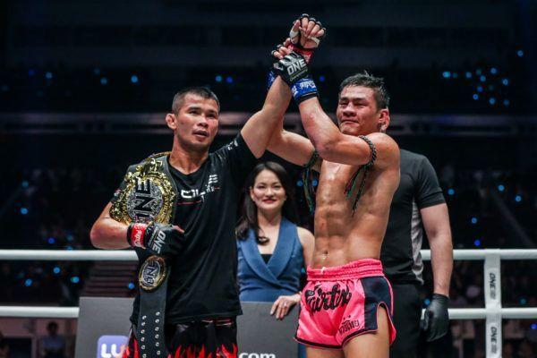 Saemapetch Fairtex raises his idol's hand, ONE Bantamweight Muay Thai World Champion Nong-O Gaiyanghadao