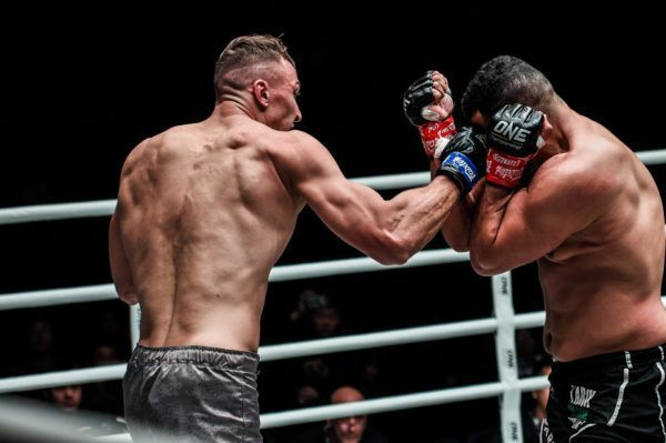 Roman Kryklia defeats Tarik Khbabez at ONE AGE OF DRAGONS in Beijing