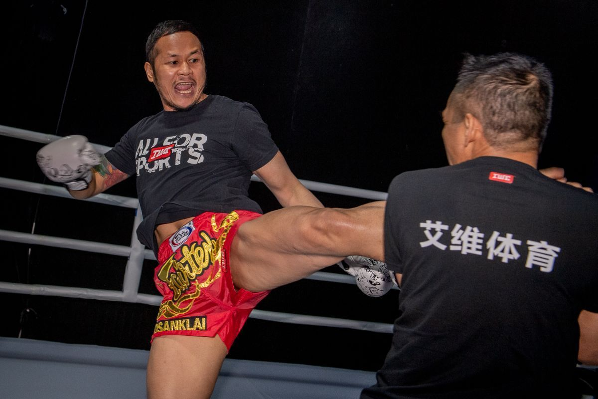 Yodsanklai IWE Fairtex ONE AGE OF DRAGONS Open Workout