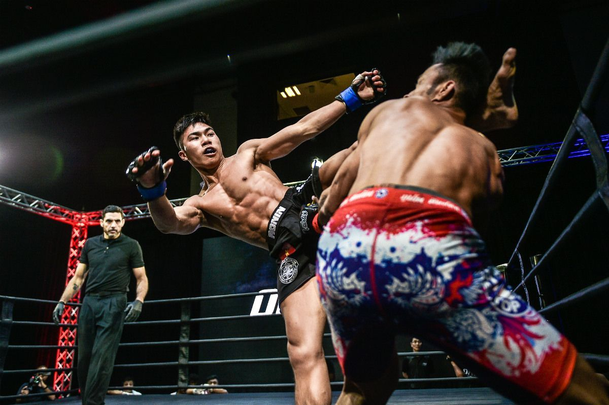 Vietnamese rising star Viet Anh Do throws a head kick