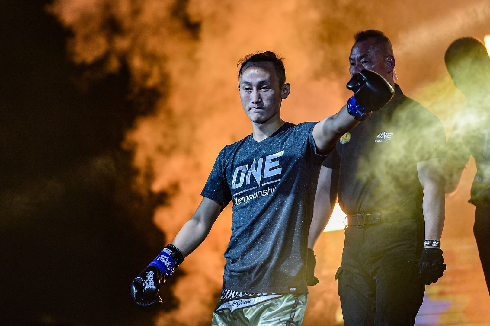 Chinese kickboxer Wang Wenfeng makes his entrance