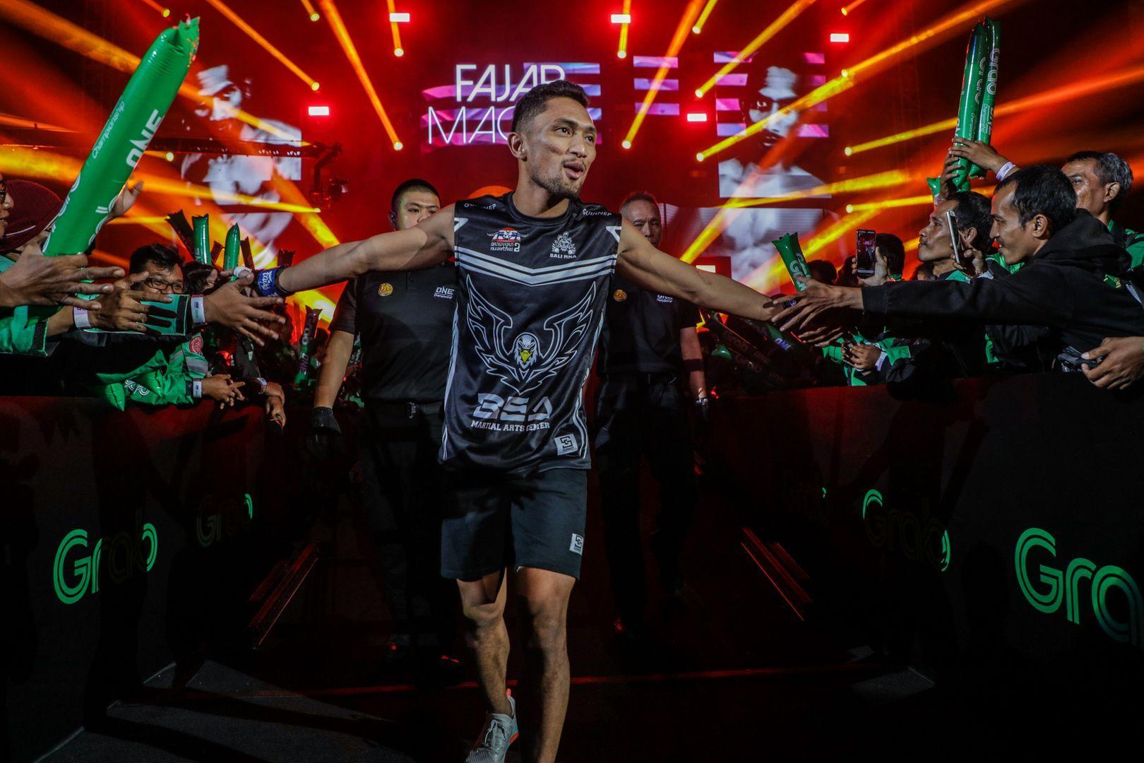 "Indonesia's ""Macho"" Fajar makes his promotional debut"