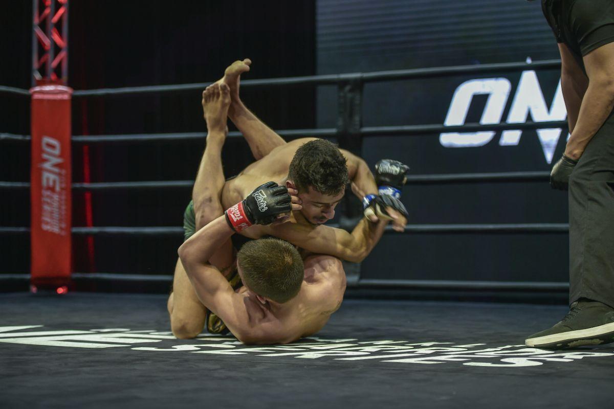 Irfan Ahmad defeats Peter Danesoe