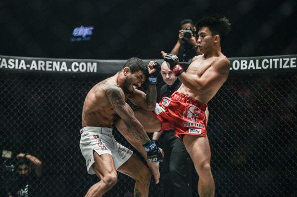 ONE Strawweight World Champion Joshua Pacio catches Alex Silva with a knee