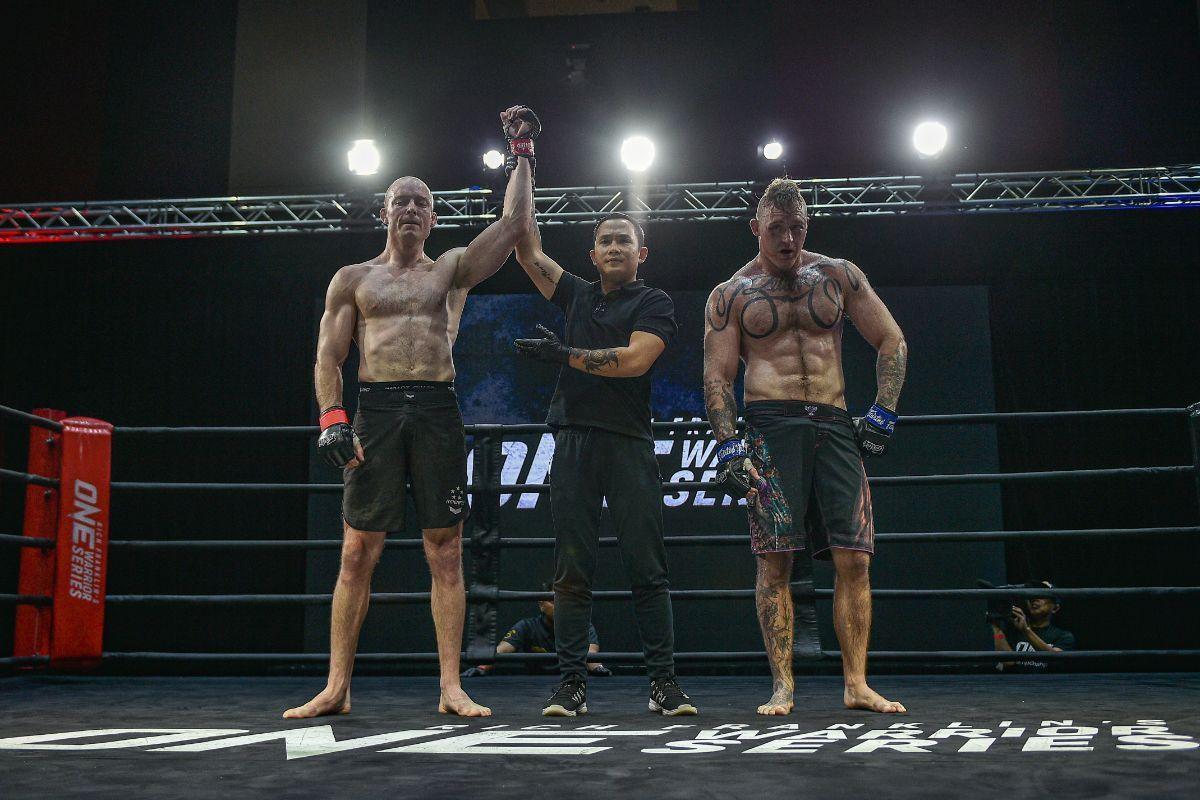 Marc Grayson defeats Rick Alchin