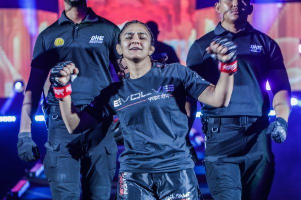 Indian wrestling sensation Ritu Phogat dances her way to the Circle