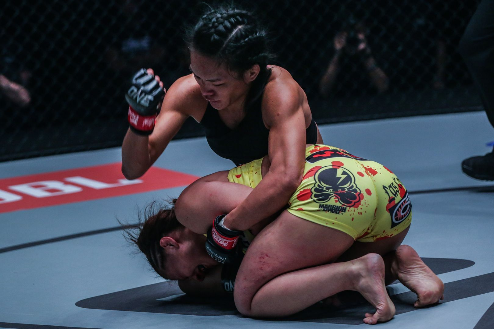 Tiffany Teo defeats Ayaka Miura ONE KING OF THE JUNGLE in Singapore