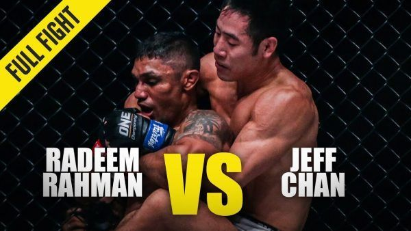 Jeff Chan sinks his arm under the chin of Radeem Rahman at ONE: KING OF THE JUNGLE.
