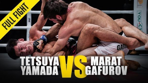 At ONE: FOR HONOR, Marat Gafurov uses his superior grappling to contain Tetsuya Yamada.