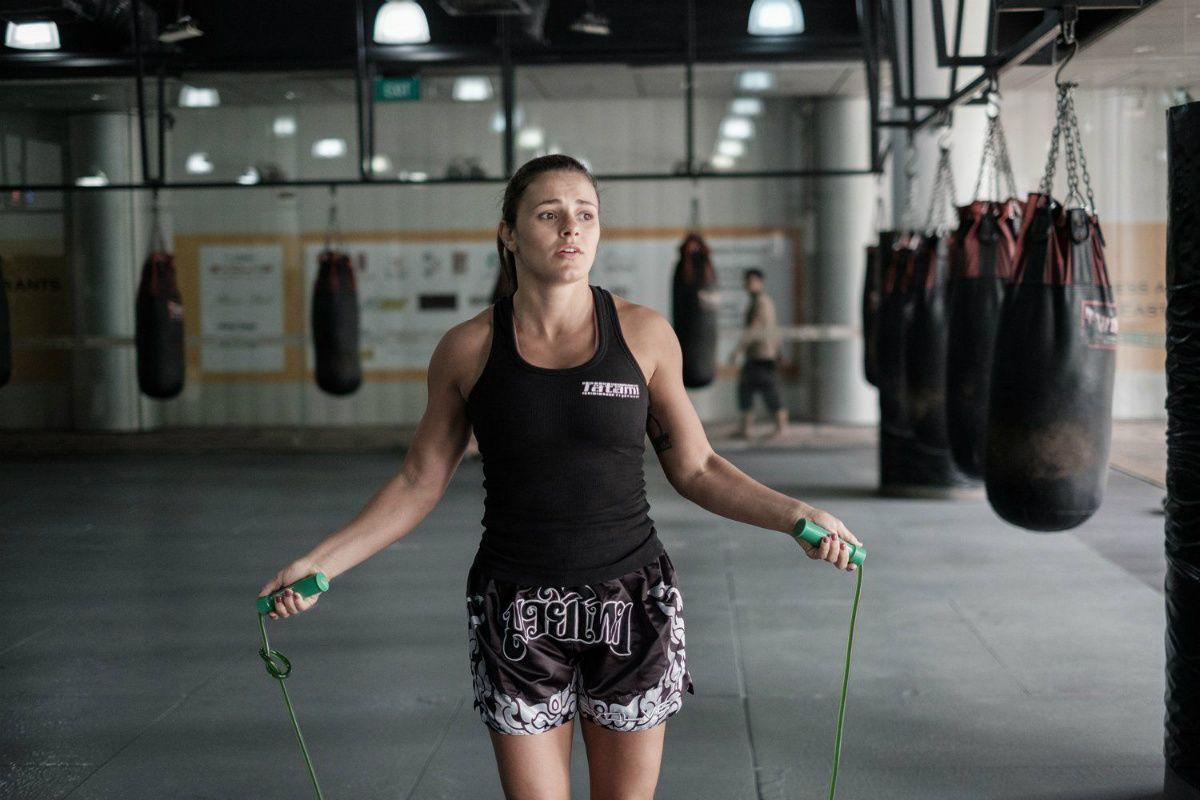 BJJ World Champion Michelle Nicolini jumps rope