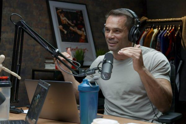 Franklin speaking podcast host Rich Franklin