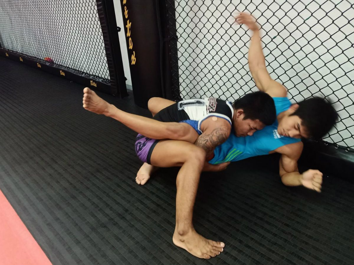 Rodtang Jitmuangnon trains MMA at Fairtex