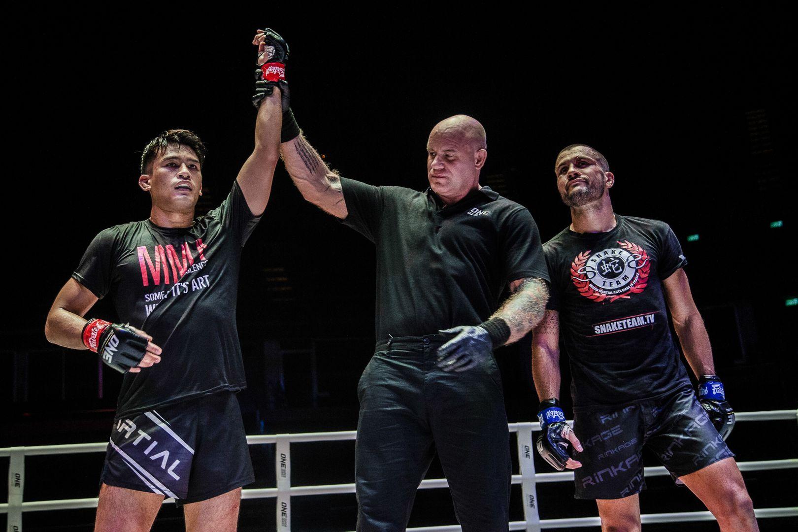 Thai mixed martial artist Shannon Wiratchai defeats Fabio Pinca