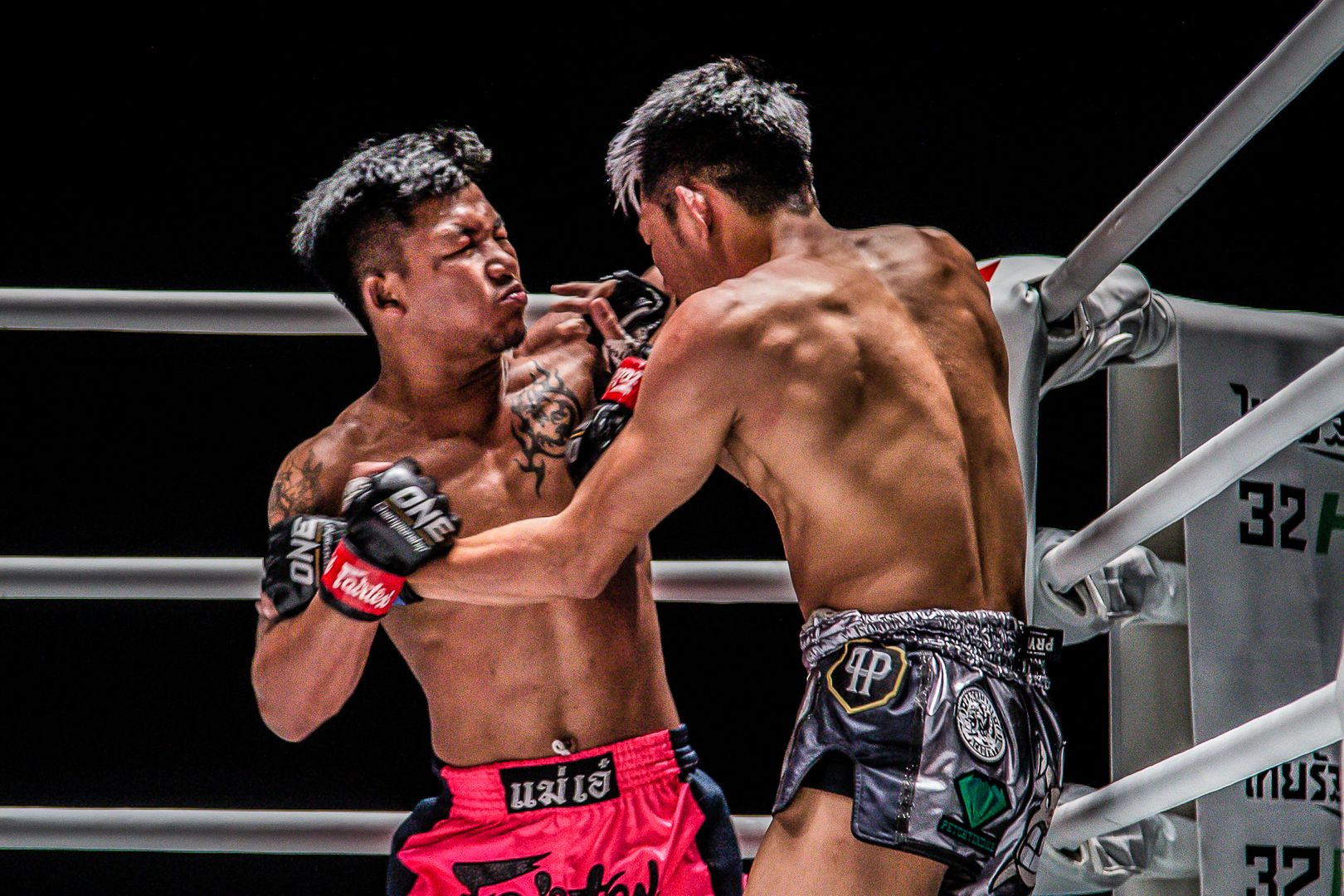 Muay Thai fighters Rodtang Jitmuangnon battles Petchdam Petchyindee Academy in a trilogy