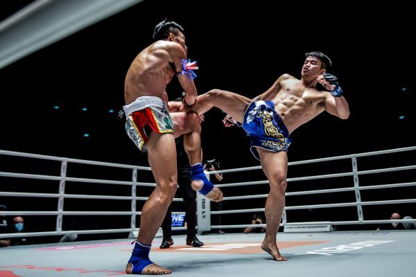 Muay Thai fighters Sorgraw Petchyindee Academy and Pongsiri PK.Saenchai Muaythaigym do battle at ONE: NO SURRENDER II